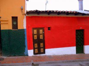edificio in stile coloniale a Bogotà in Colombia
